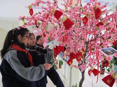一树红梅报春暖 保质增效新气象